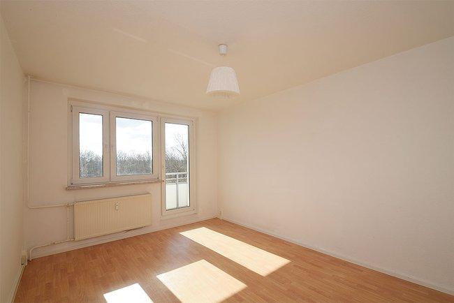 Wohnzimmer: 3-Raum-Wohnung Südstadtring 37