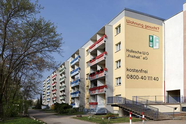 Hausansicht: 4-Raum-Wohnung Genthiner Straße 14