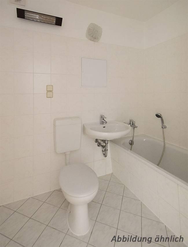 Bad: 1-Raum-Wohnung Lindenweg 12