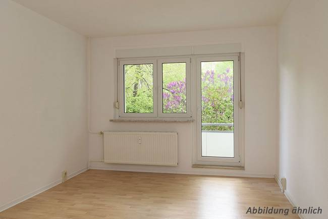 Wohnzimmer: 3-Raum-Wohnung Züricher Straße 18