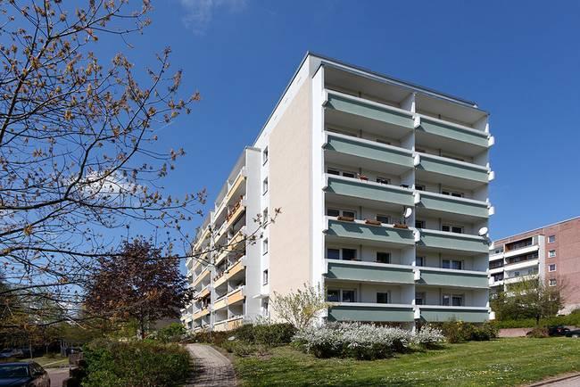 Hausansicht: 1-Raum-Wohnung Lindenweg 12
