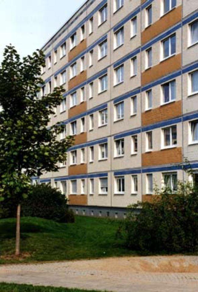 Hofansicht: 3-Raum-Wohnung Erich-Kästner-Straße 3