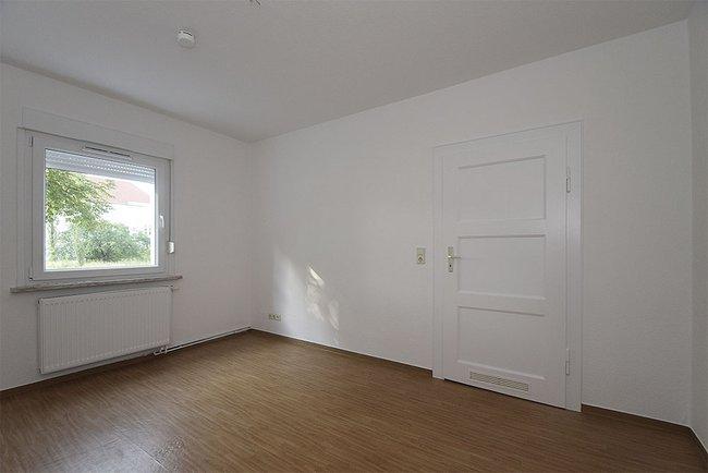 Wohnraum: 1-Raum-Wohnung Eugen-Schönhaar-Straße 9