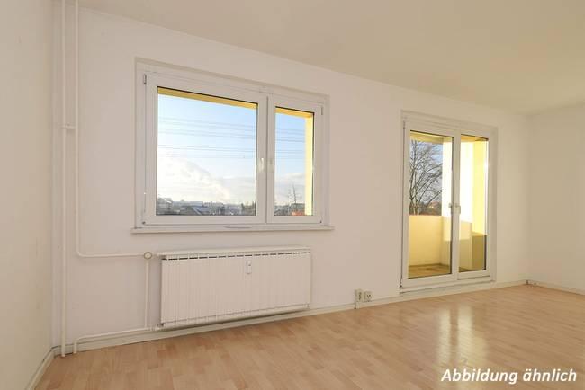 Wohnzimmer: 4-Raum-Wohnung Genthiner Straße 14