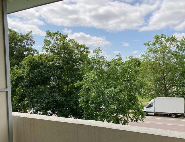 Balkonblick: 1-Raum-Wohnung Weißenfelser Straße 23