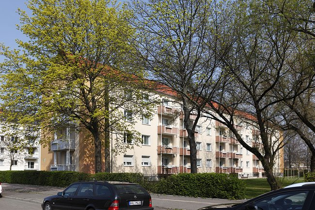Hausansicht: 3-Raum-Wohnung Paul-Suhr-Straße 48c