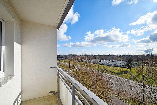 Balkonaussichten: 3-Raum-Wohnung Südstadtring 37
