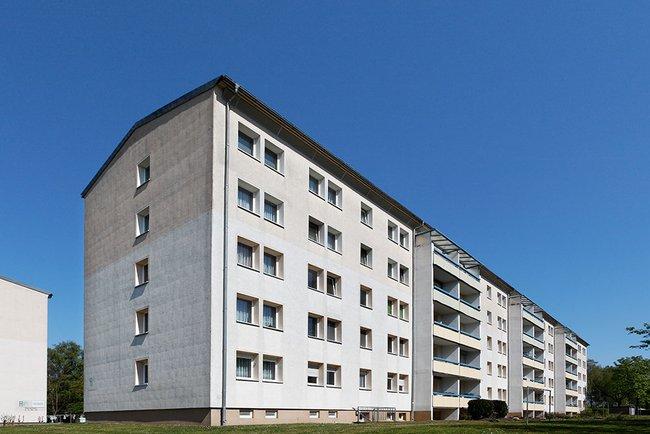 Hausansicht: 2-Raum-Wohnung Plutostraße 4