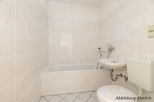 Bad: 4-Raum-Wohnung Genthiner Straße 14